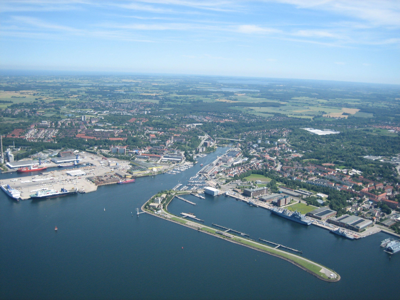 Nord- Ostseekanal mündet in die Kieler Bucht
